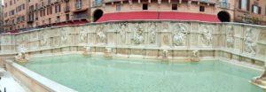 La Fonte Gaia (Réalisée entre 1409 et 1419 par le sculpteur Jacopo della Quercia)