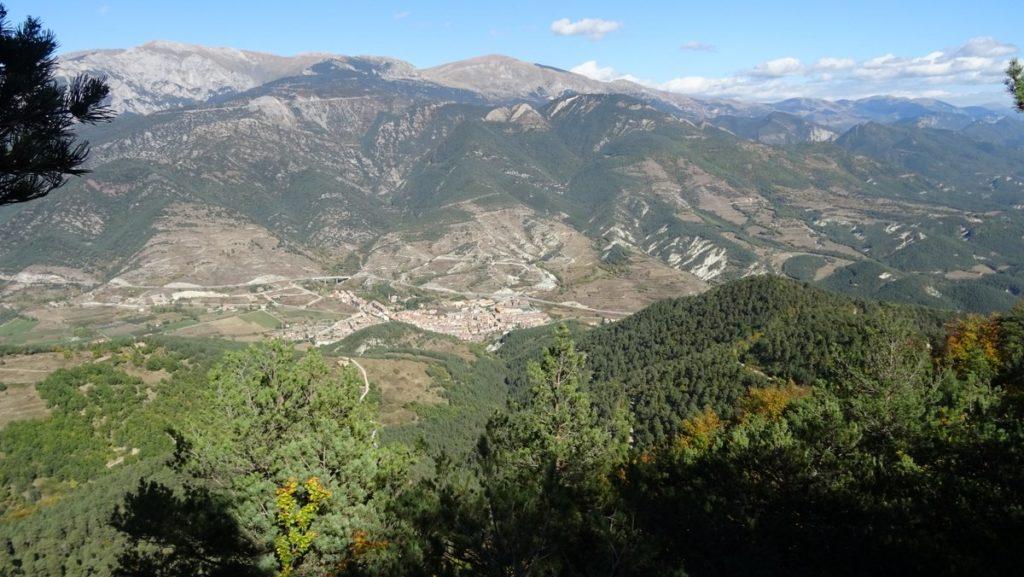pano sur Bagà et la Serra de Moixero